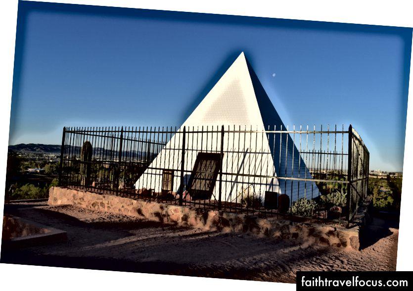 Hrobova pyramída Huntova pyramída v parku Papago
