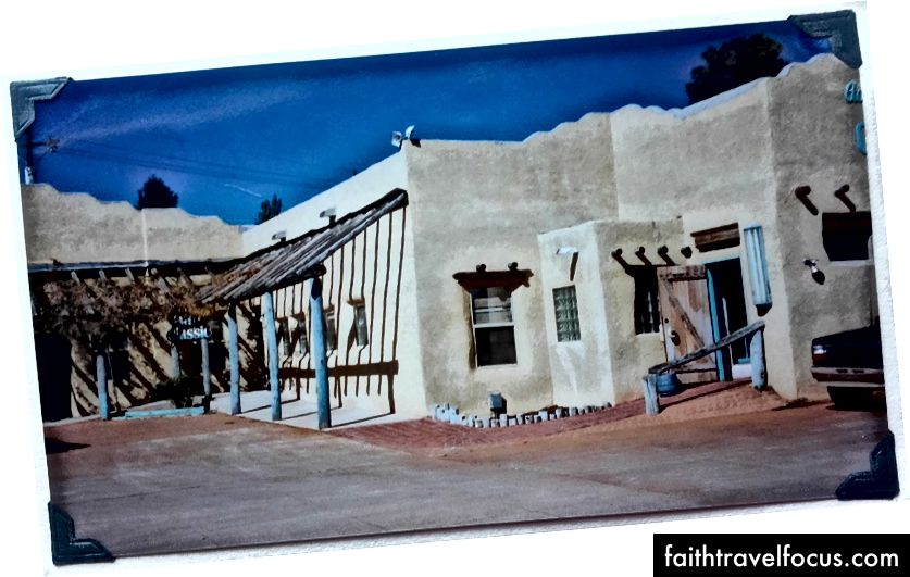 Кафе Adobe Springs, Сілвер Сіті, Нью-Мексико. Листопад 1996 року.