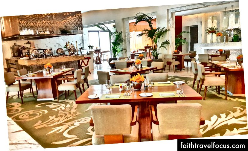Nội thất trang nhã và ấm áp của nhà hàng | Ảnh tín dụng: Mike Hull, VictoriaGlobal.co