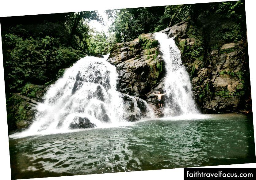 Tự do chảy qua những mạch nước này. Tự do là những gì tôi cảm thấy khi quay một dự án ở Costa Rica.
