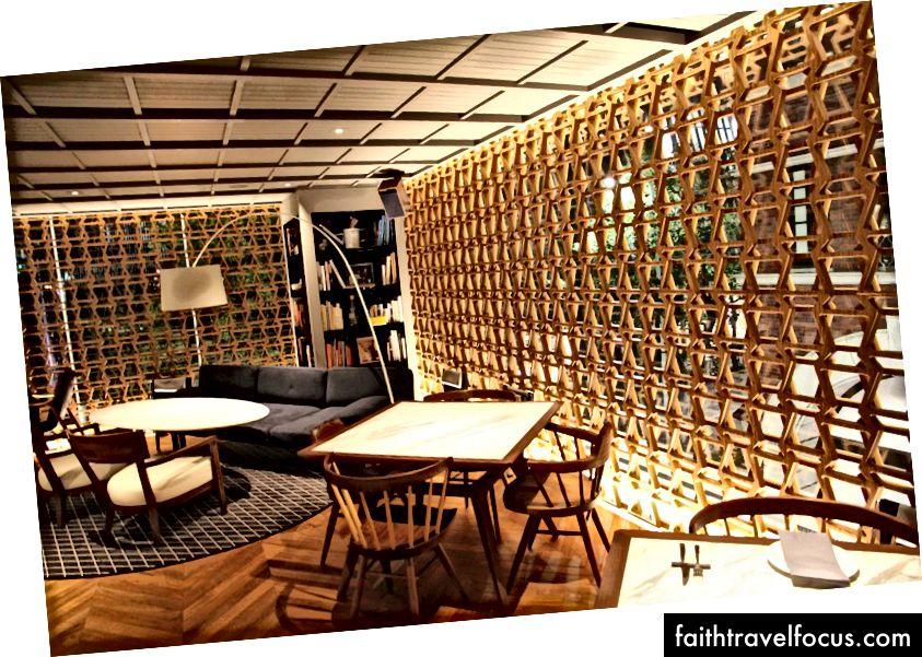 Intersect by Lexus: các bức tường bán trong suốt được lấy cảm hứng từ vỉ nướng trục chính xe ô tô