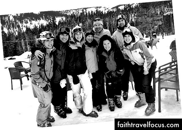 Trước năm nay, lần cuối cùng chúng tôi có bất kỳ tuyết rơi tươm tất nào ở Tahoe là năm 2008, vì sự chậm trễ, tất cả chúng tôi đều trượt tuyết cùng nhau.