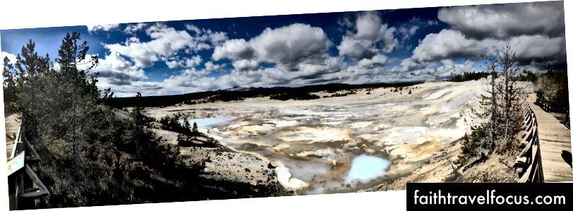 Panorama bazena Norris Geyser