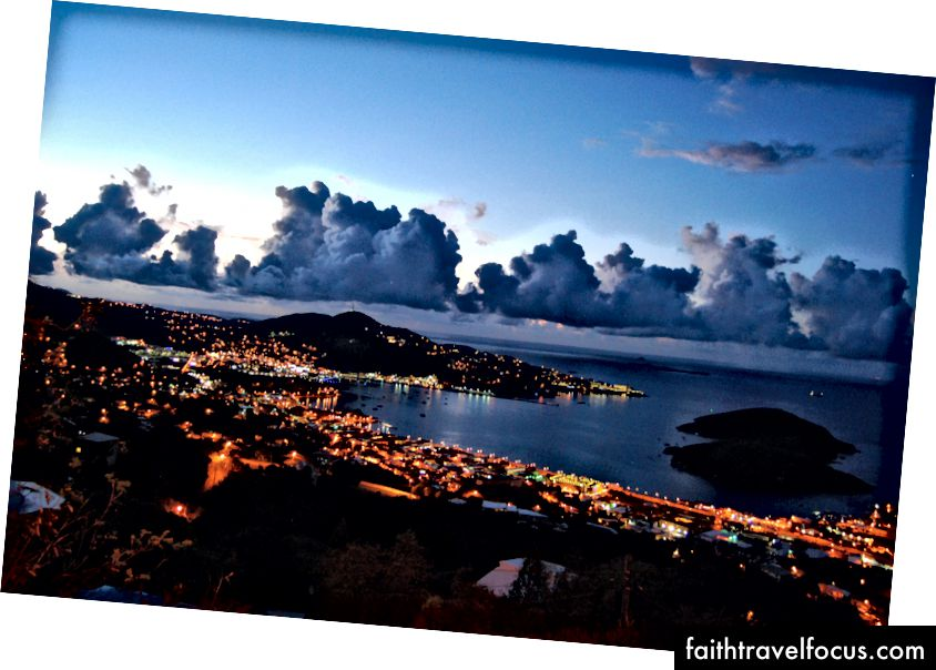 Bình minh trên Charlotte Amalie, Saint Thomas