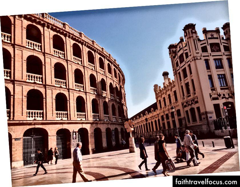 Đi lại hàng ngày ở Valencia: Bạn muốn xem thêm hình ảnh? @ track.dana trên instagram