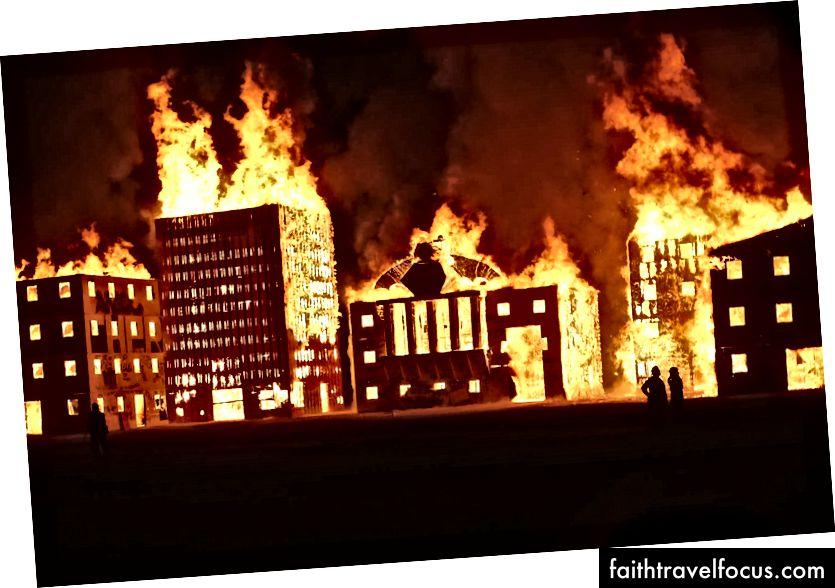 Burning Man không phải là chính trị (nguồn: Jim Urquhart / Reuters)