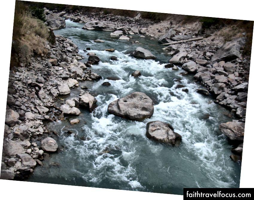 Krásna rieka Bhotekoshi