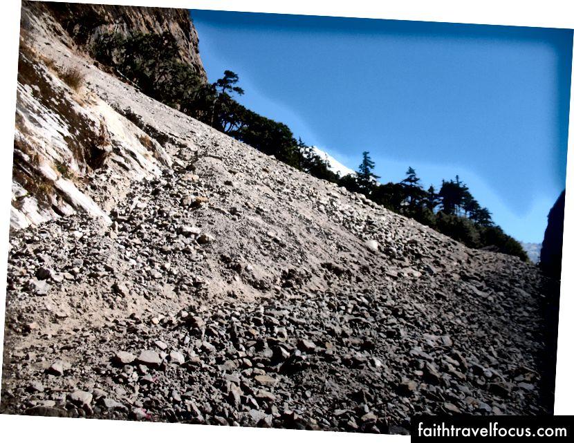 Viac postihnuté zemetrasenie a zosuvy pôdy