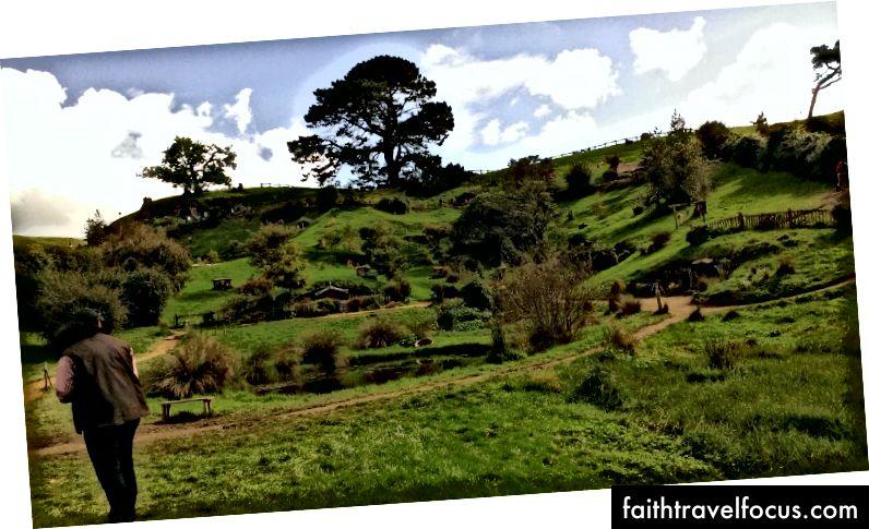 Chúng tôi đã đến thăm The Shire, trong khi đi vòng quanh New Zealand trên một chiếc xe tải. Bilbo wasn nhà nhà.