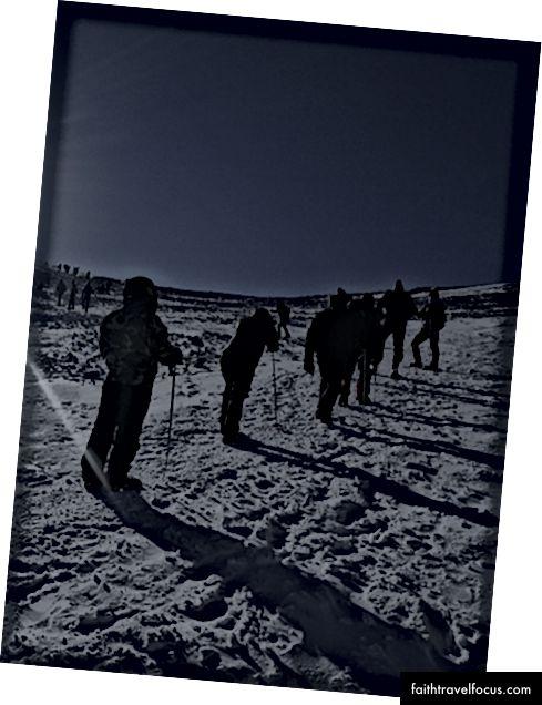 Chuyến đi tuyết lên đỉnh vào lúc bình minh
