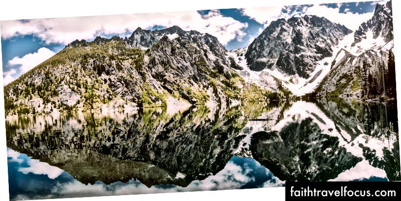 Hồ Colchuck. Xem bài viết gốc của tôi ở đây: https://medium.com/augeage/unprint-10258dc4f872