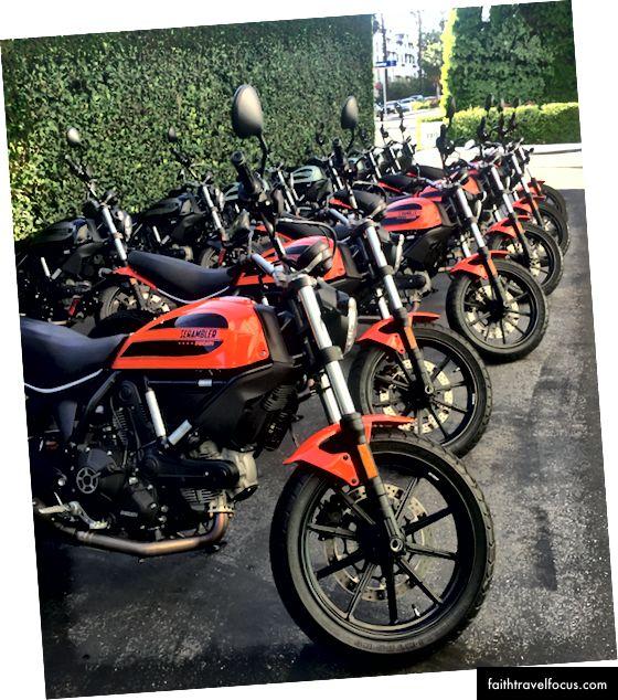 Chiếc Ducati Scrambler Sixty2. Ảnh: Zaron Burnett III