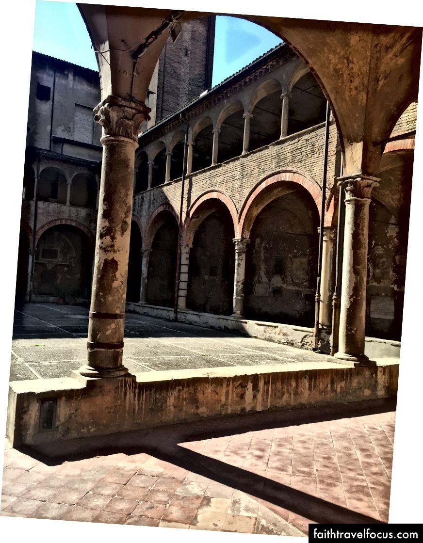 Vương cung thánh đường Gi Giomo Maggiore. Ảnh: Zaron Burnett III