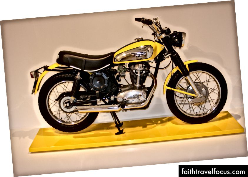 Chiếc Ducati Scrambler năm 1968. Ảnh: Zaron Burnett III