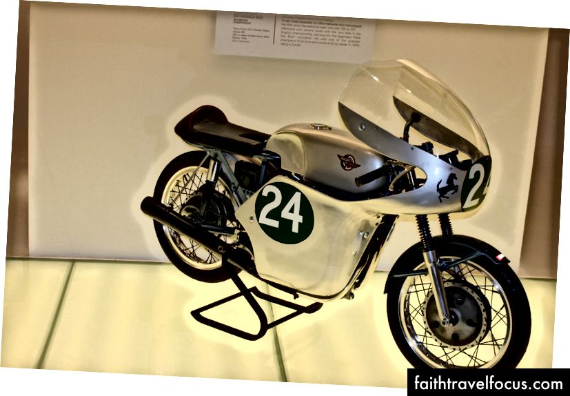 Chiếc Ducati Desmo Twin. Ảnh: Zaron Burnett III