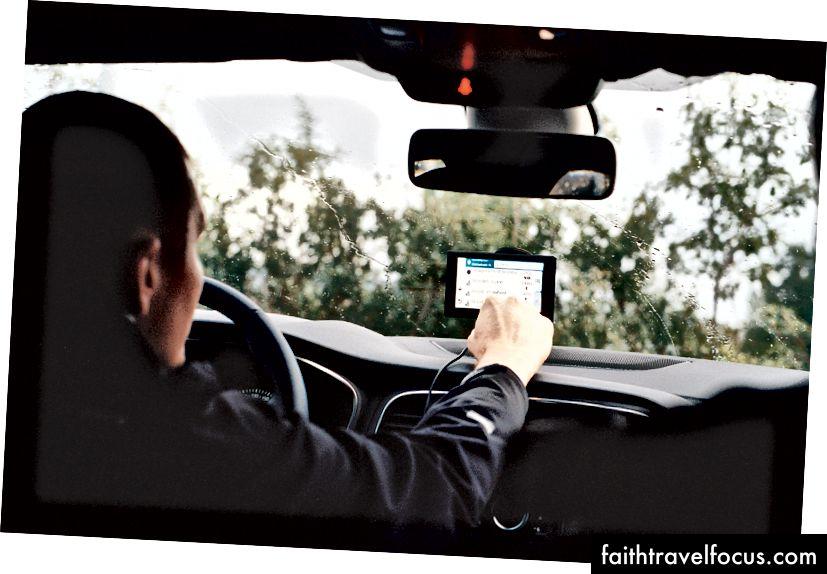 Việc nhập địa chỉ Arlington vào GPS có thể khá khó khăn đặc biệt nếu bạn thiếu một số chữ cái. Chân dung 400, 50mm F1.4