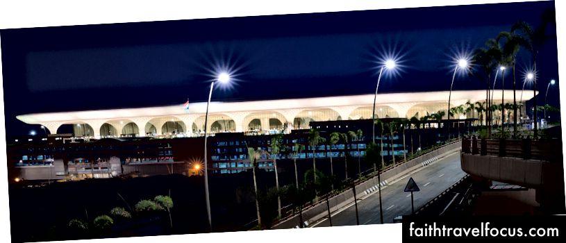 Nhà ga sân bay quốc tế Chhatrapati Shivaji 2. Ảnh: Robert Polidori © Sân bay quốc tế Mumbai Pvt. Ltd.