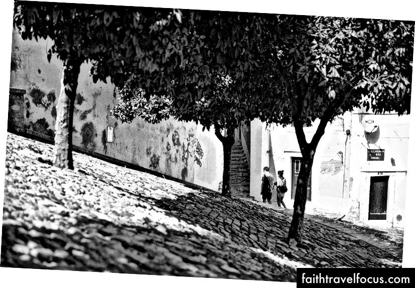 Khu vực Moorish của Lisbon - Giám đốc sáng tạo Arthur Vallin HarleyandCompany