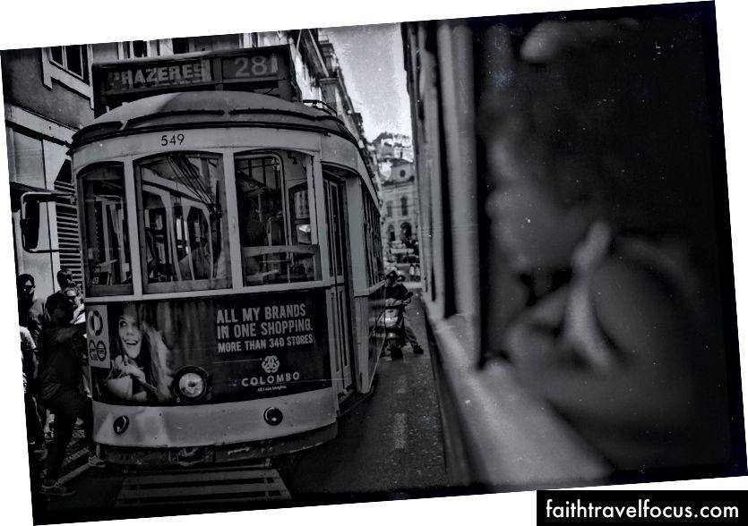 Xe đẩy đường phố Lisbon - Photo Arthur Vallin Giám đốc sáng tạo HarleyandCompany