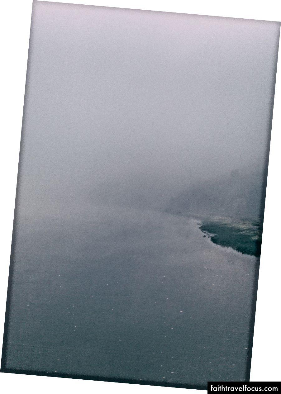 Sông Mira lúc bình minh - Ảnh của Arthur Vallin