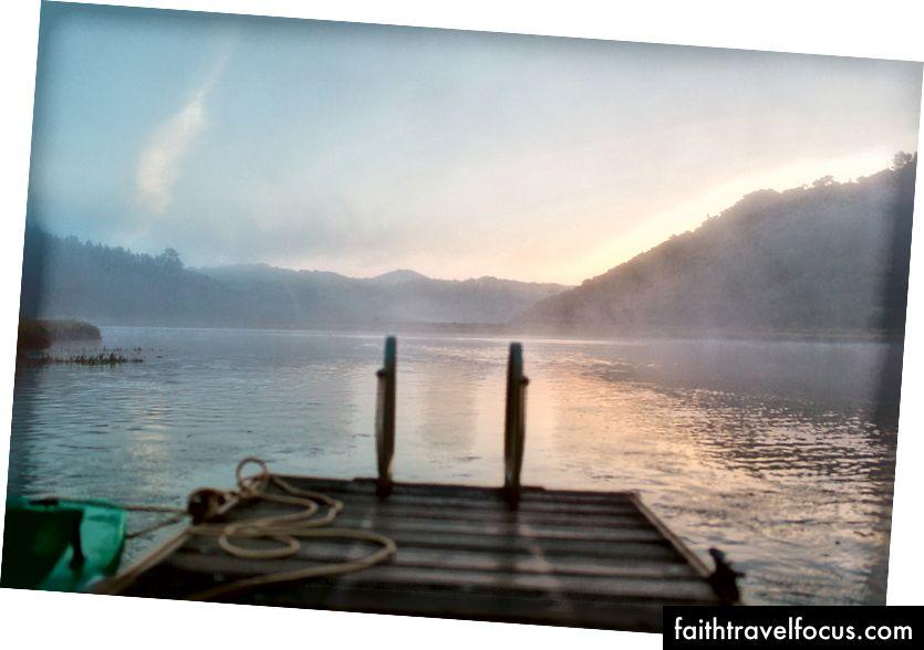 Bình minh nhìn lên sông Mira - ảnh của Arthur Vallin