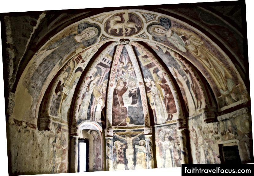 © KV - Frescos tại Offida từ Santa Maria della Rocca