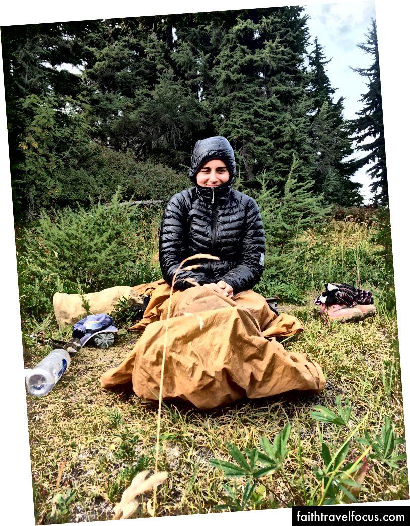 Chiếc áo khoác này có biệt danh trìu mến là The Trashbag. Tại Washington, nó có thể chấp nhận ngủ trưa vào bữa trưa và sử dụng tấm trải giường của bạn như một tấm chăn.