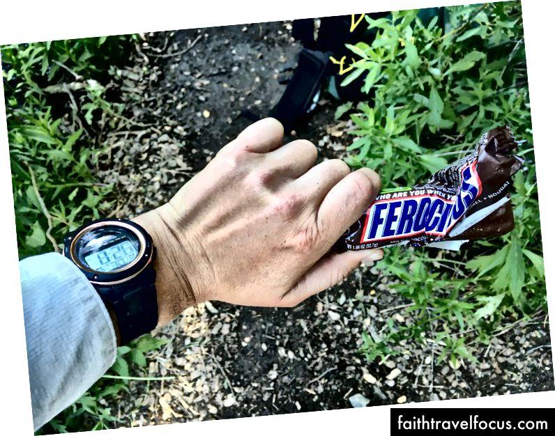 8:26 sáng Dấu thời gian của Snickers.