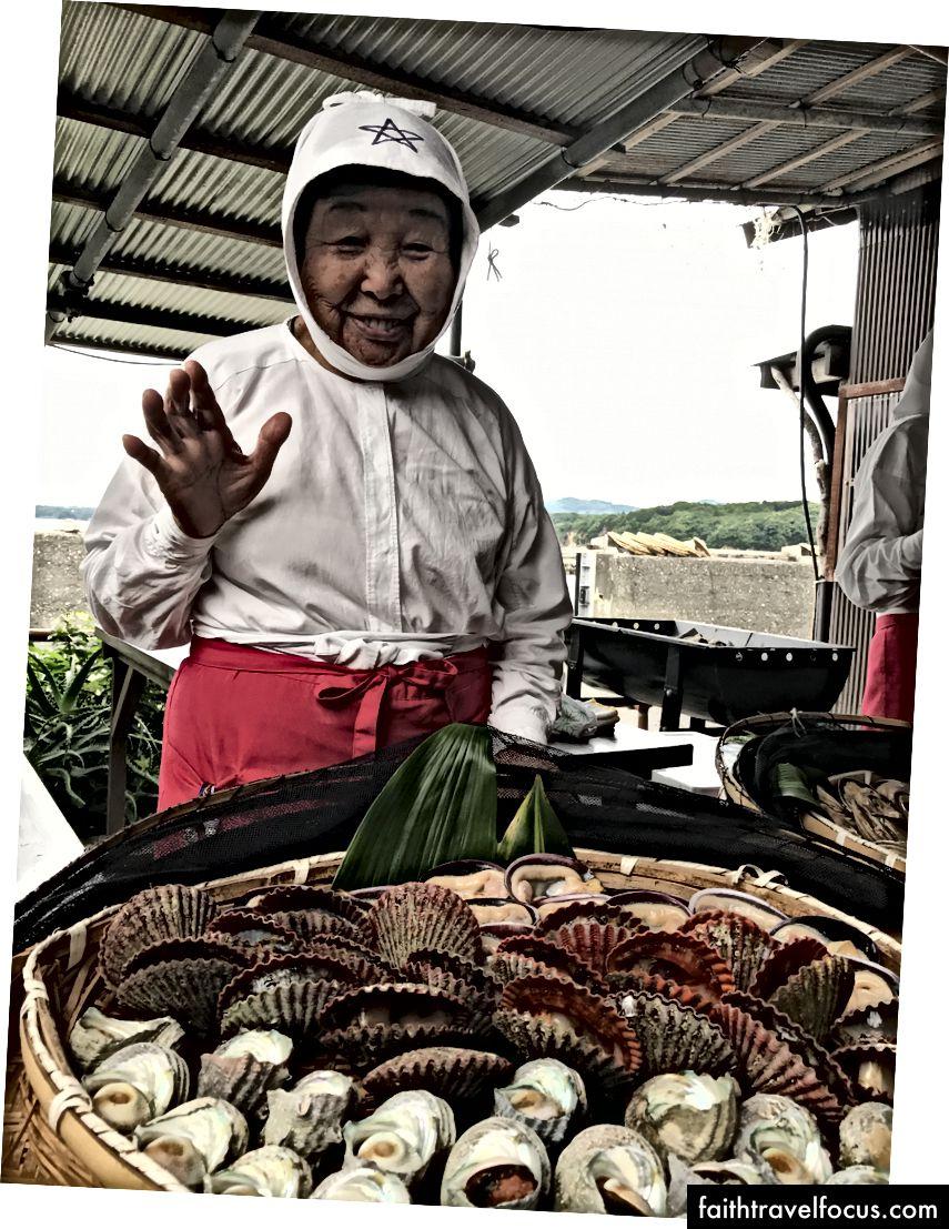 Bữa trưa BBQ với một thợ lặn Ama ở Mie
