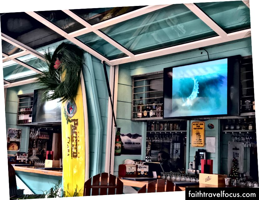 WipeOut Bar and Grill - Пристань 39