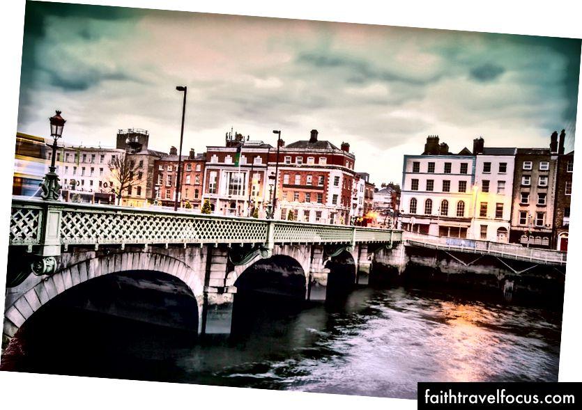 Міст Гратана | © littlenySTOCK / Shutterstock