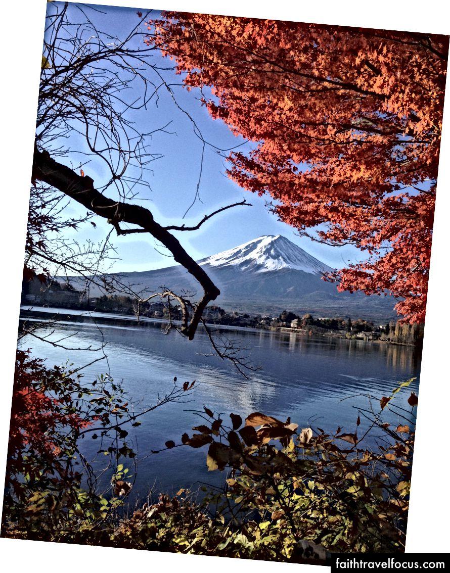 Núi Phú Sĩ khi nhìn từ hồ Kawaguchi. Tín: chồng tôi