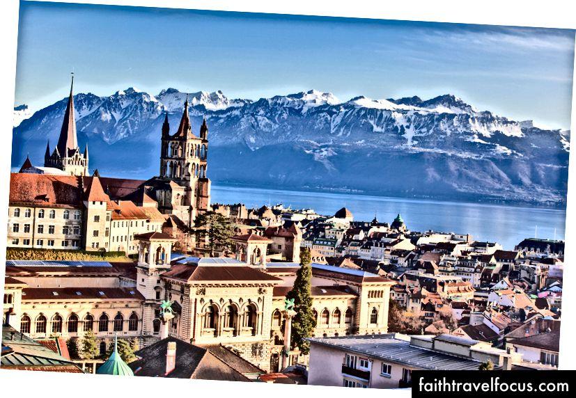 Lausanne trên bờ hồ Geneva | © Regis Colombo