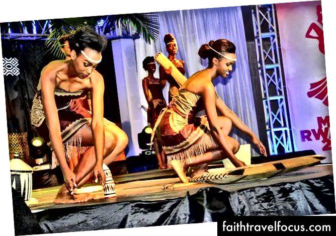 Культура Руанди, яку демонструють наші прекрасні дами