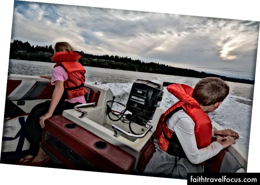 Đi lướt ván của chúng tôi tổ chức thuyền máy trên đảo Vancouver gần Victoria BC