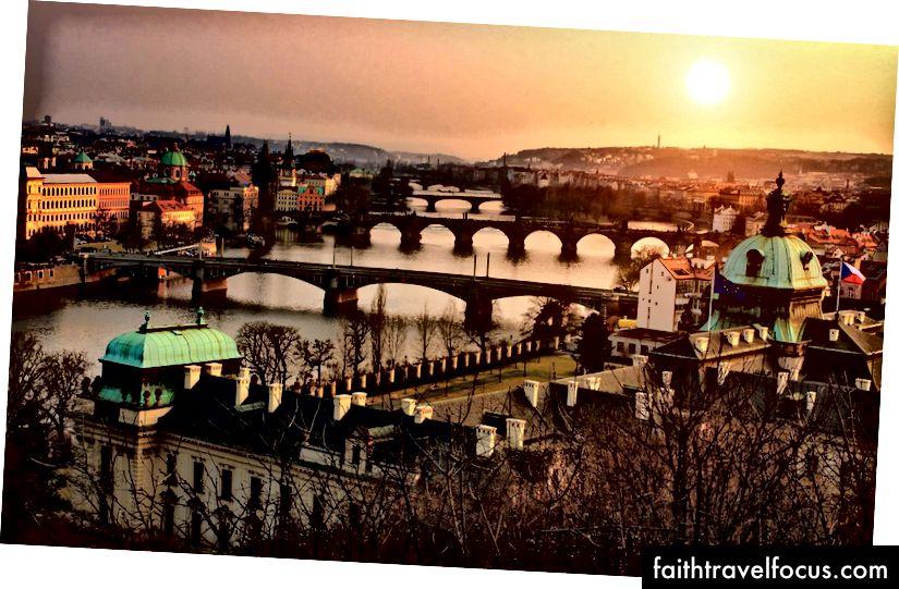 Прага, зображена з Летни, другого улюбленого парку Саллі