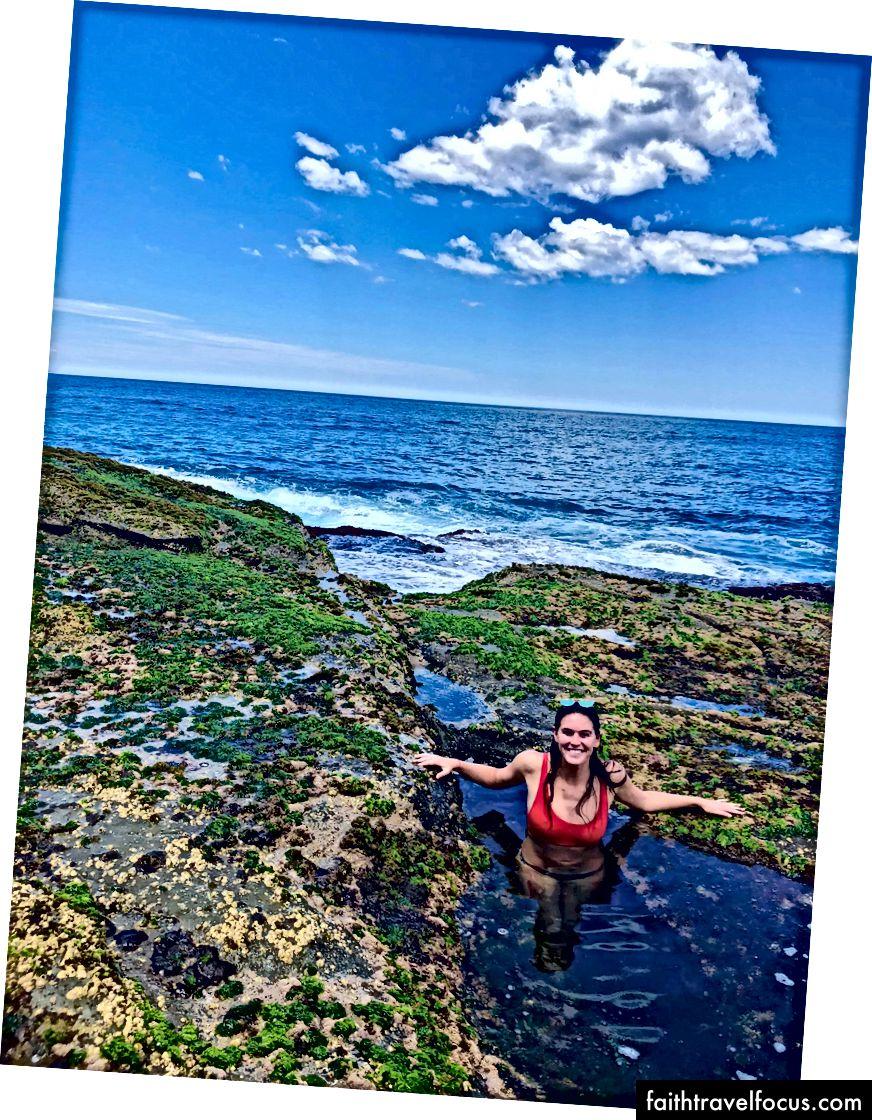 Щасливі на фігурі 8 басейнів після хорошого довгого гірського походу поблизу Сіднея.