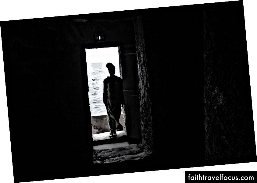 Двері без повернення на острів Горі