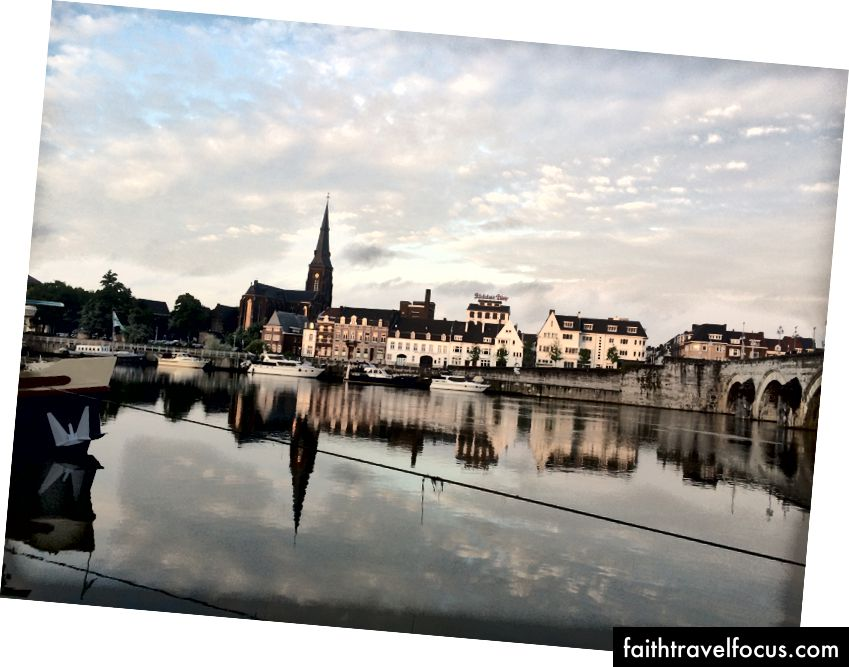 Maastricht lúc hoàng hôn
