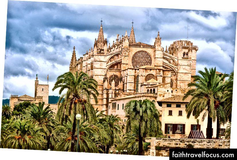Nhà thờ lớn của Tây Ban Nha | © Boris Stroujko / Shutterstock