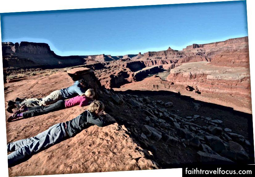 Nhìn kỹ hơn về Công viên Quốc gia Canyonlands ở phía đông nam Utah
