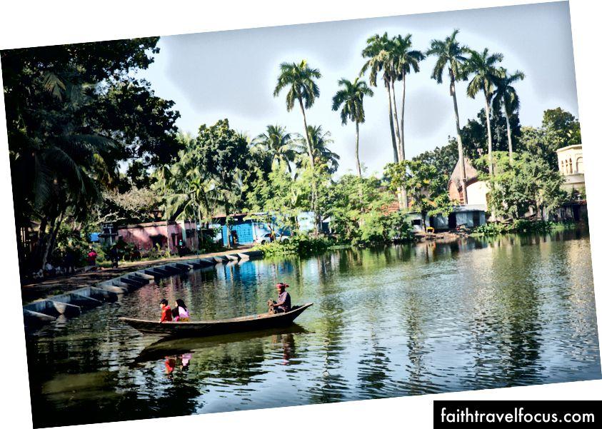 Озера та річки існують у всьому місті
