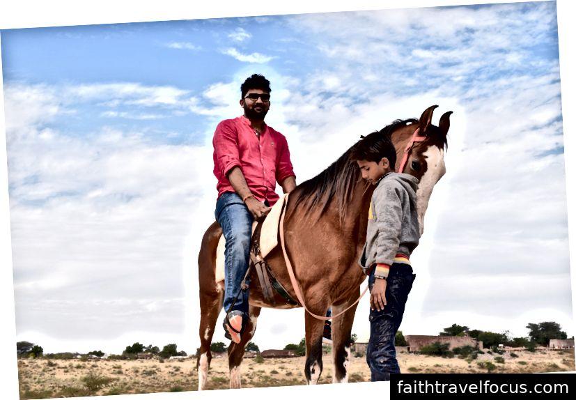 Верблюди та коні: 100 / - на особу