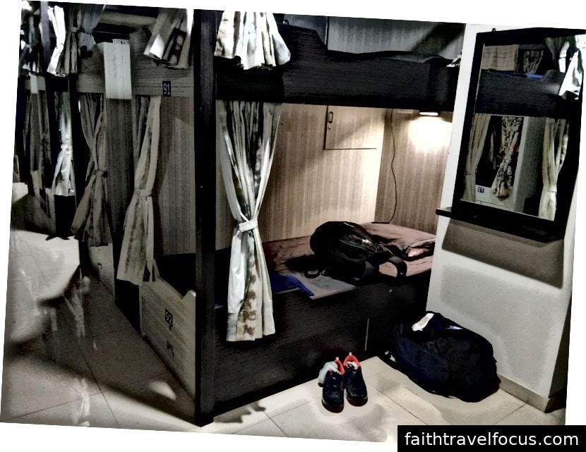 Ký túc xá trong và ngoài - Chi phí 150 mỗi giường cho một đêm