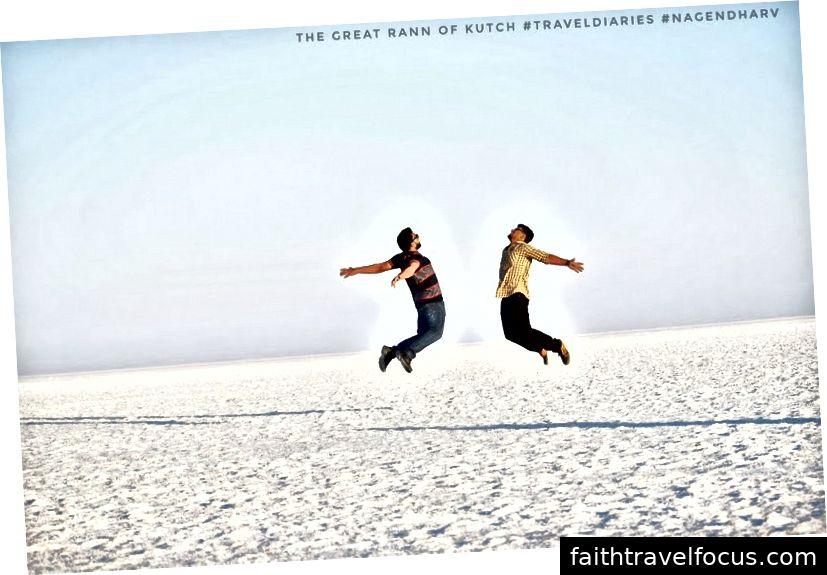 Những khoảnh khắc của chúng tôi trên sa mạc trắng