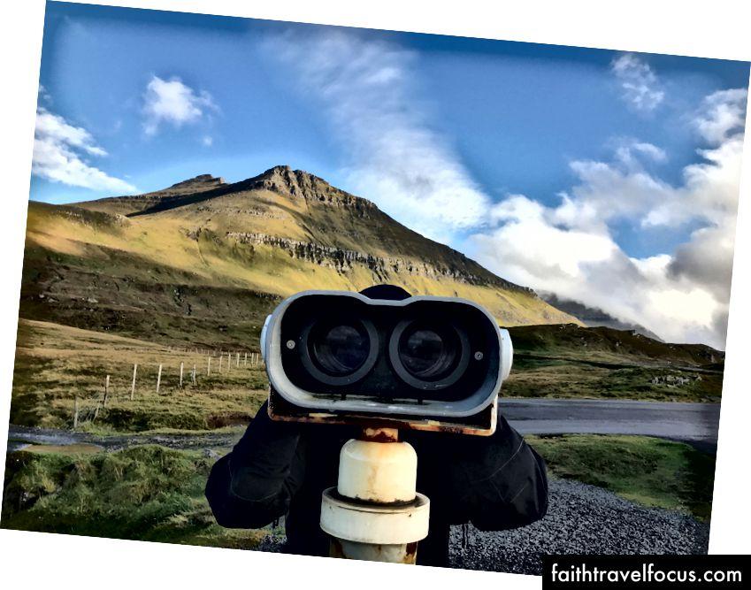 Slættaratindur, найвища вершина фарерських островів у сонячний день. Фото мною.