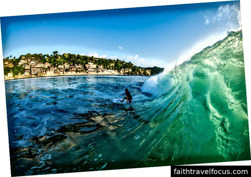 Santiago Hart, 14 tuổi, ở Bali | © Luke Tha thứ / Volcom