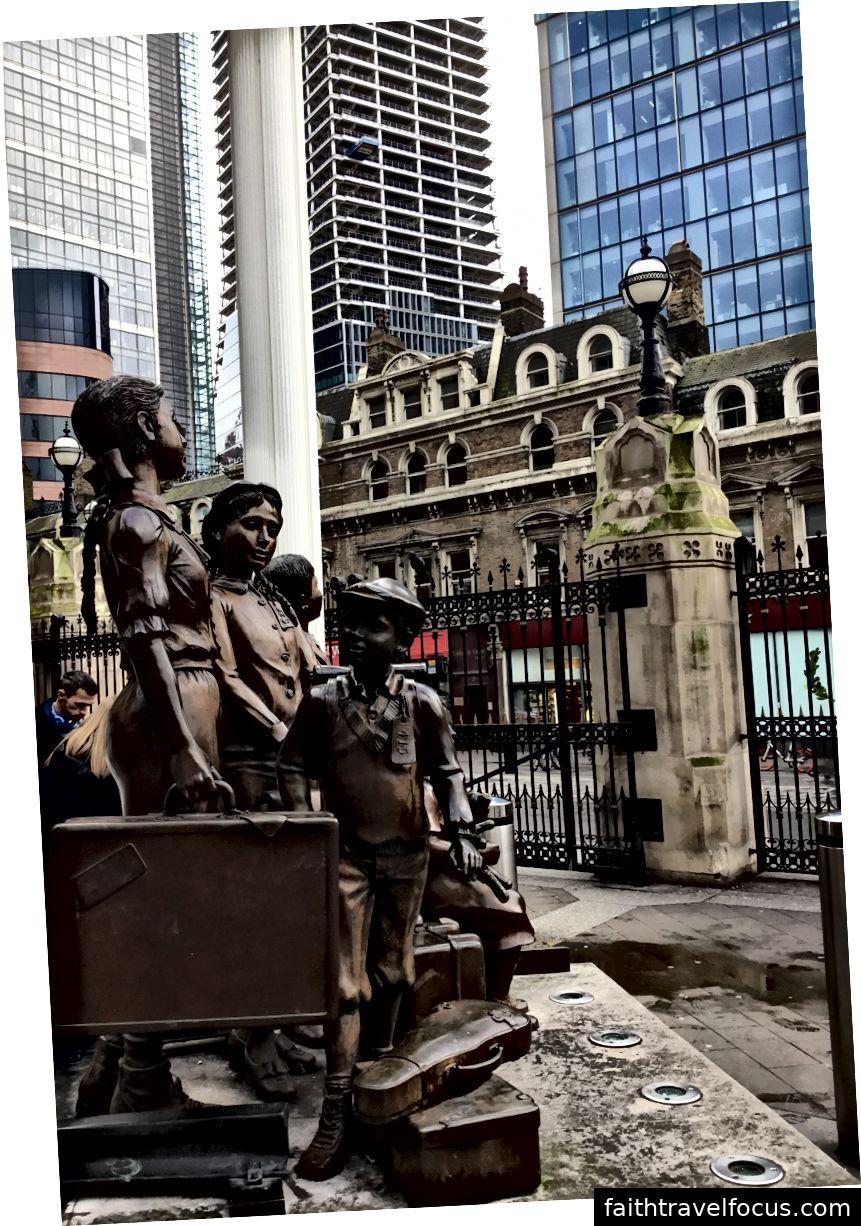 Điêu khắc Kindertransport, Ga Liverpool Street