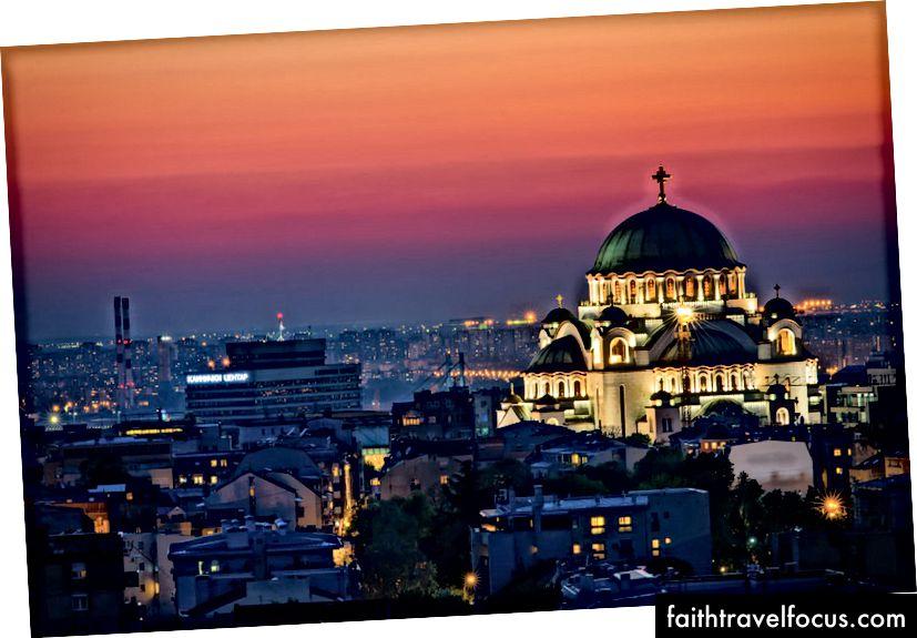 Belgrad'da Saint Sava Kilisesi'ni kaçırmak zor | © Nenad Dedomacki / Shutterstock