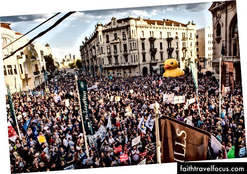 Tartışmalı Belgrad Waterfront projesine karşı protesto gösterileri | © Ne Davimo Beograd / Facebook